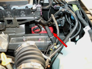 Figure 1-2: ubicazione batteria su FIAT Freemont