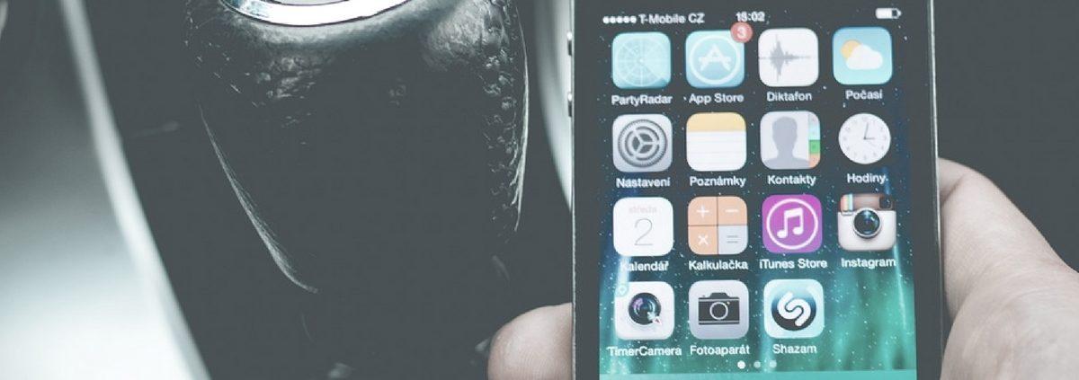 Multe per smartphone alla guida
