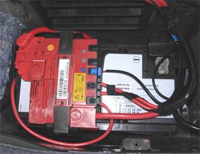 Cambio di batteria sull'Audi A6 - Riparando
