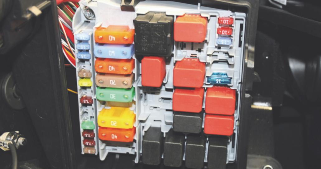 Schema Elettrico Lancia Ypsilon : Problemi al blocchetto accensione lancia y ecco come risolvere